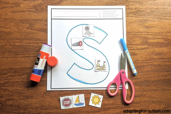 Photo of 1 cut and paste worksheet to identify the words that start with the letter S.